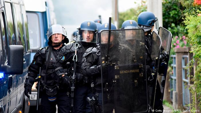 FRANCE: Nantes sees second night of protests, arrests after police shoot local man