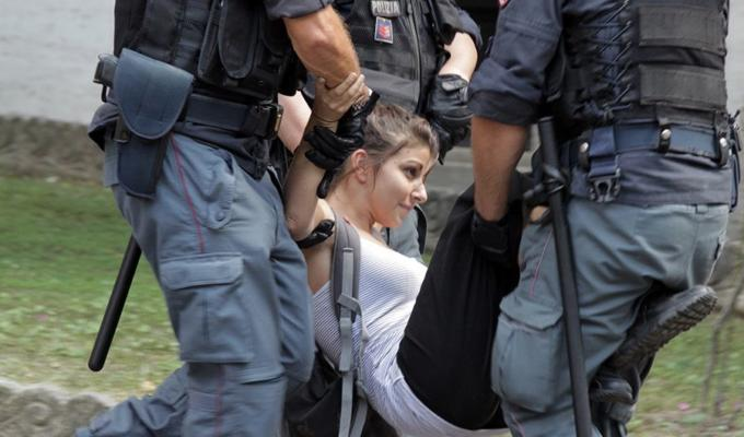 ITALY: NGOS knock at the door of Minister Toninelli. The police clears up