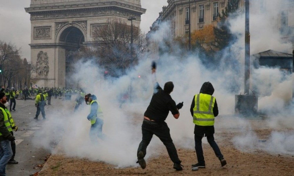 FRANCE: New anti-rioters law approved
