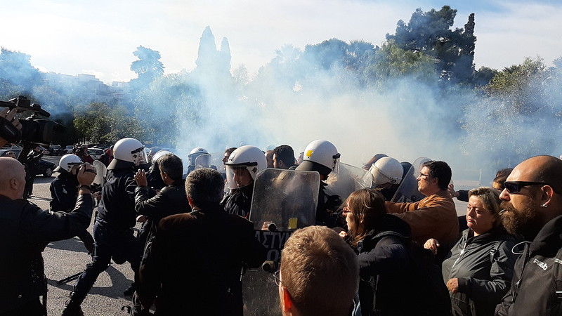 GREECE: Doctors' Protest Attacked by Police