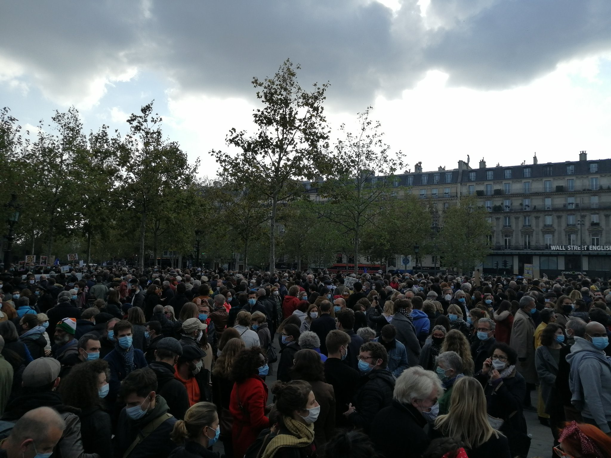 FRANCE – Teacher attack: civil society's reaction in defence of freedom of expression and education
