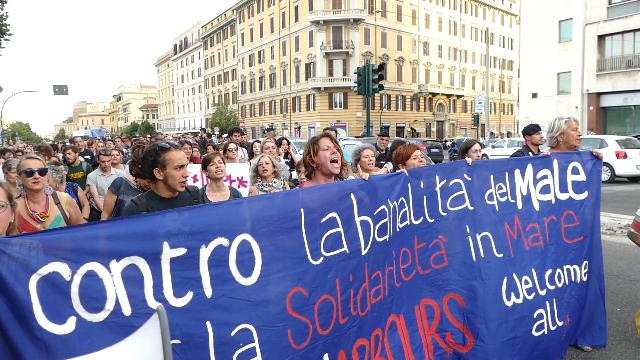 ITALY: Italian law increases penalties related to protests and criminalises NGOs' rescue of migrants at sea