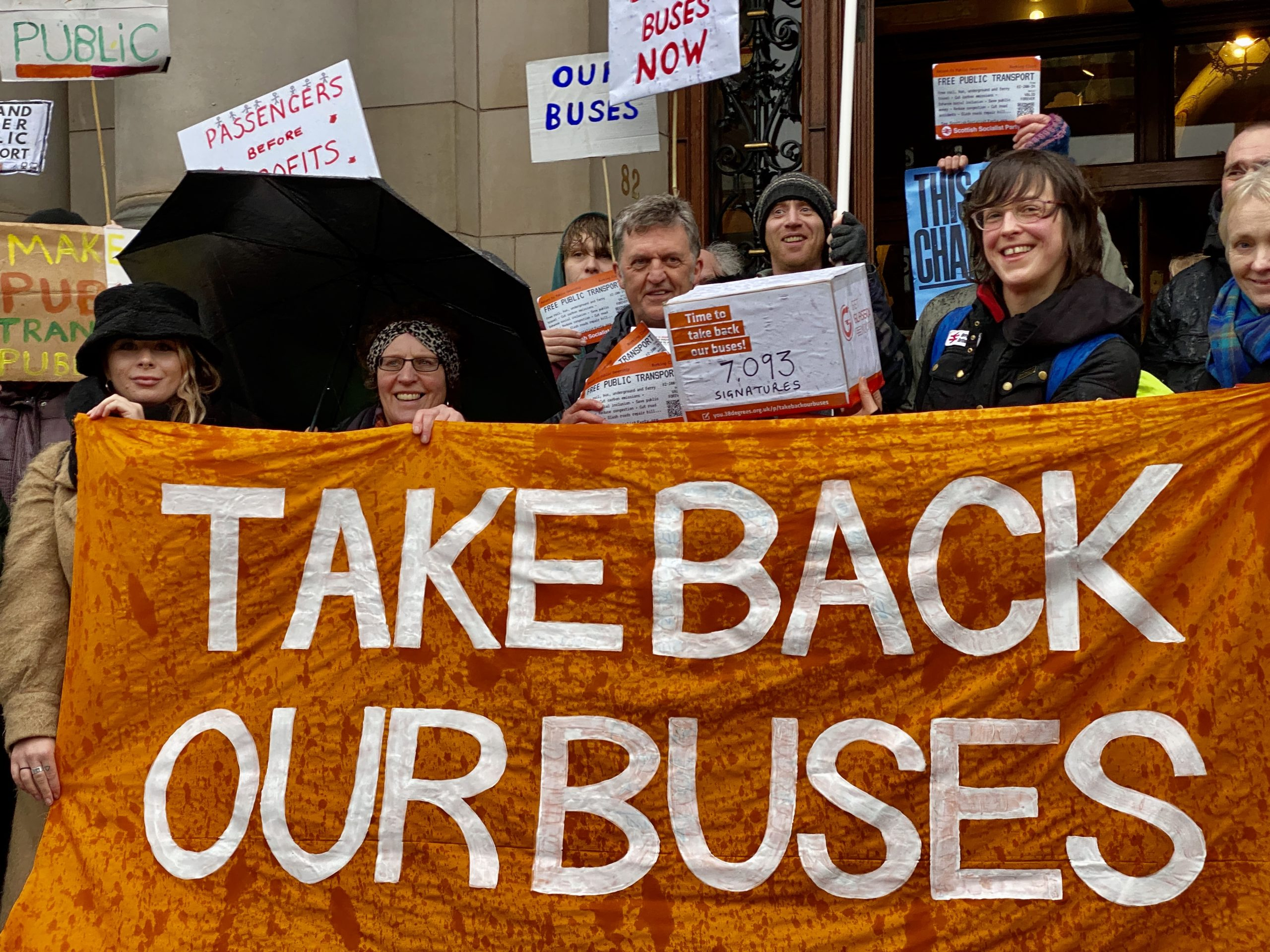 "UNITED KINGDOM: ""People started to call for the public ownership and control of all our public transport"" – Interview with Ellie Harrison, activist in Glasgow"